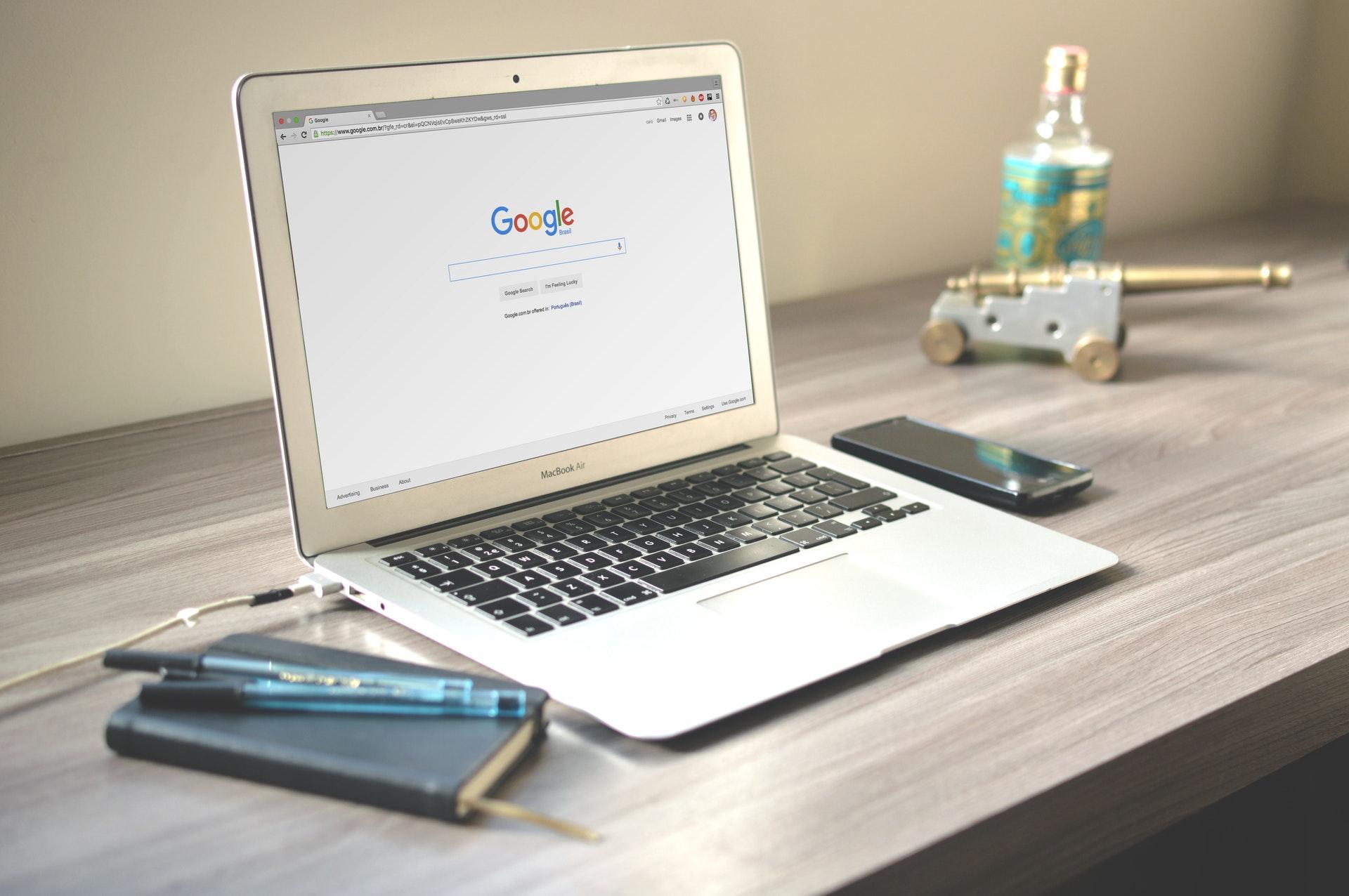 Une page de recherche Google. Optimiser sa visibilité sur le web pour son commerce de proximité grâce au SEO